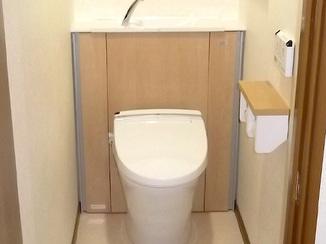 トイレリフォーム 段差解消とスッキリ収納トイレ