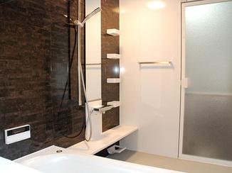 バスルームリフォーム 生活導線を意識した温かなお部屋とバスルーム
